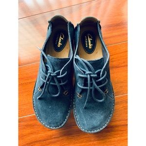 Clarks Janey Mae Navy Suede Lace Up Oxfords